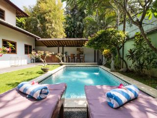 ONE BEDROOM LUSH VILLA IN THE HEART OF SEMINYAK, Seminyak