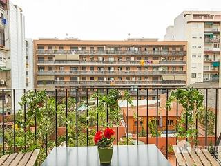 Large apartment central, Barcelona
