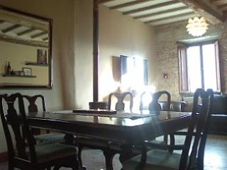 Charming Garden Apartment in Medieval Village, Bagni di Lucca