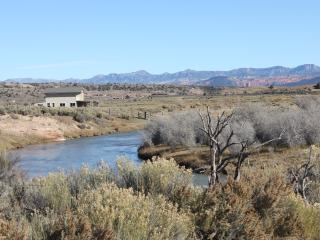 Secluded Luxury Riverfront Ranch On 9 Acres, Hatch