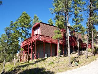 Plaid House is surrounded by trees and wildlife in the heart of town., Ruidoso