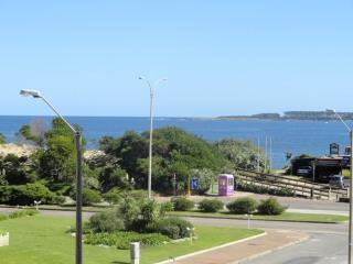 Stunning Sea views 2 bed apartment 50m from beach, Punta del Este