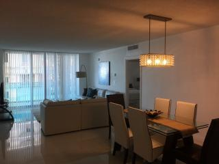 LOVELY APARTMENT IN HOLLYWOOD BEACH!, Hollywood