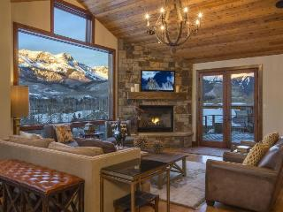 133 AJ Drive Mountain Village, Telluride, Colorado - Views, style, finishes, location - This golf course home offers guests a perfect, luxurious home with the most amazing views