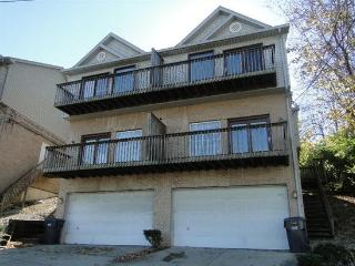 Large Comfortable 3BR/2.5BA Townhouse 3mi Downtown, Covington