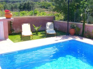 3bedroom villa 150m from Almyrida beach & tavernas