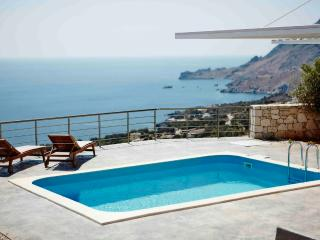 Unobstucted ocean view,luxurious pool,romantic, Plakias