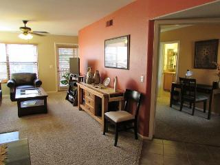 Second Floor Condo with Golf Course Views, Tucson
