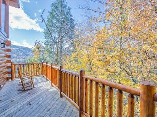 Luxury 5BR Downtown Gatlinburg Cabin w Incredible Views! November from $199!!