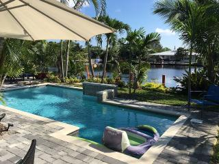 Waterfront Luxury Home- Salt Pool, Fort Lauderdale