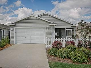 Great location Patio Villa with Vaulted Ceilings. Complimentary golf cart., The Villages