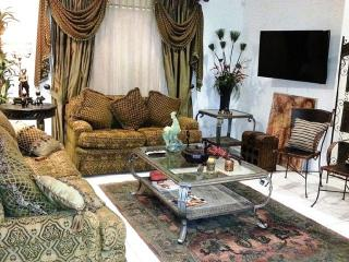 Beautifully furnished gated condo in McAllen, TX, Pharr