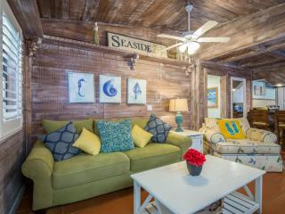 Driftwood Beach Cottage, Clearwater