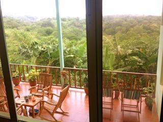 SPACIOUS 4BDR HOUSE WITH A POOL!, Managua