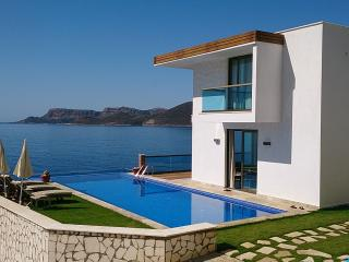 Sea Front Luxury Villas With Private Beach Acces, Kas