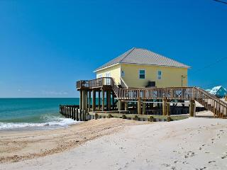 Villa Delphinus -  Beautiful 3 bedroom with Direct Gulf views, nicely furnished and decorated, great, Dauphin Island