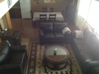 3 Bedroom House sleeps 10, Georgetown