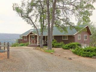 Large Home on Acreage 35 mins from the South Gate, Yosemite National Park