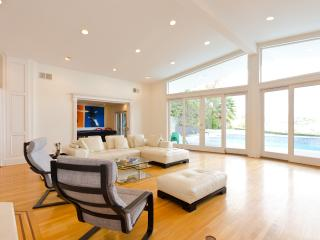#37 Tower Grove Villa w pool & view, Beverly Hills