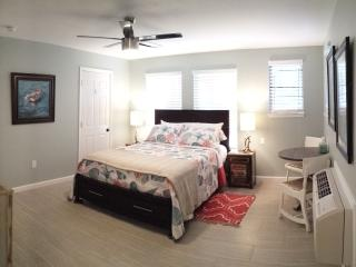 East Hill Bungalow #3, Pensacola Beach