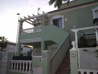 First floor apartment with roof terrace, Gran Alacant
