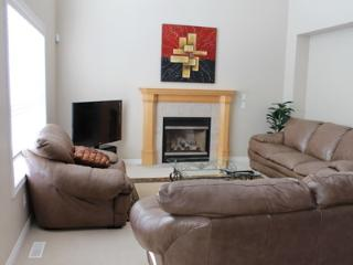 Beautiful vacation home, Luxury but Affordable!, Calgary