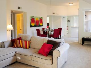 Cozy 2 bedroom Apt minutes from Sawgrass Mall, Plantation