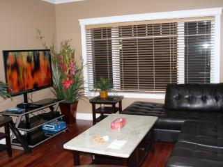 Nice Fully Furnished 4 Bedrooms Home N of Calgary