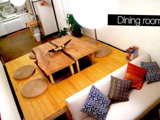 Feel at home at 3 bedroom's cozy house /near Namba, Osaka