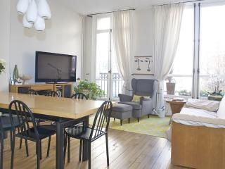 Lovely Saint Lazare 2 bedroom apart., 5 sleeps, Paris