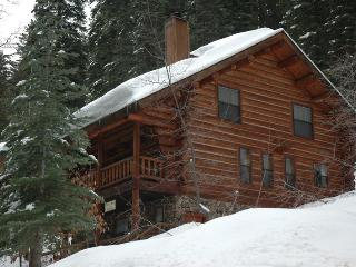 The Log Home -- Ideal Location for Yosemite Visits, Yosemite National Park
