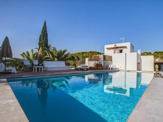 Can Skye, Bohemian chic Swimming pool and Sea view, Sant Carles de Peralta