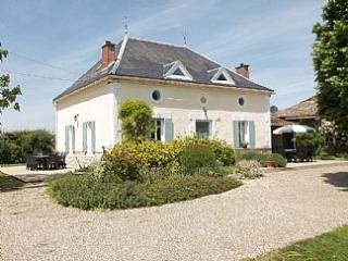 LUXURY FARMHOUSE FOR 2 – 8 & PRICED ACCORDINGLY, Velines