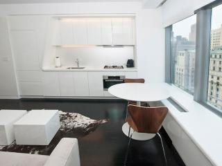 CONTEMPORARY AND SPOTLESS APARTMENT UNIT WITH STUNNING VIEWS OF NEW YORK HARBOR AND STATUE OF LIBERTY, Nueva York