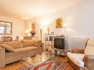Chic residence in Levallois + Parking, Levallois-Perret