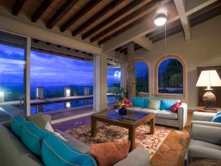 Full Service Villa - Extraordinary - Sleeps 23, Puerto Vallarta