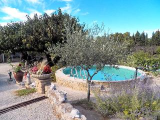St Didier Vaucluse, Provencal house 4p, private pool, 500 m from the village, Saint-Didier