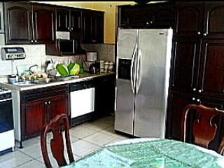Costa Rica cheap lodging guesthouse vacancy, Curridabat