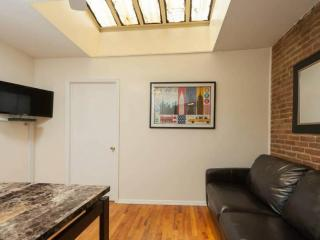 WONDERFULLY FURNISHED 2 BEDROOM APARTMENT, Long Island City