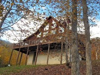Quiet Waters is a beautiful lakefront vacation cabin on Norris Lake at Lone Mountain Shores., New Tazewell