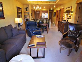 Prime location for ski area and private shuttle for convenience, Steamboat Springs
