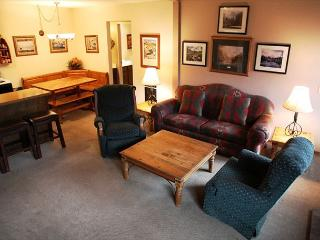 2 Bed + Loft/2 Bath, Walking Distance to Village, On Shuttle Route, Mammoth Lakes