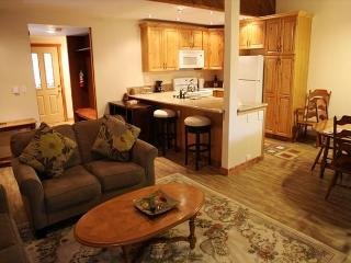 1 Bedroom + Loft/2 Bathroom, Completely Remodeled, WiFi included!, Mammoth Lakes