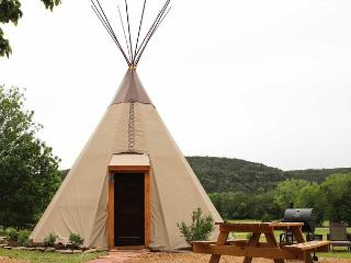 Amazing Tipis! #3 Reservation On The Guadalupe, Heated/AC, Insulated TIpis!, New Braunfels