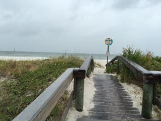 Pass-A-Grille 2 Unit Beach Rental Combo Sleeps 5, Tampa