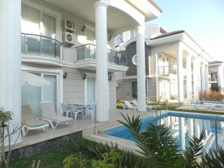 5 Bedroom Holiday Villa for Rent 400 m to Beach, Fethiye