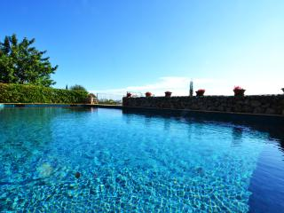 6 bedrooms Villa Caimari with private pool, Selva