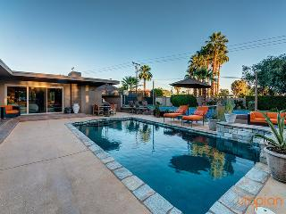 Palm Desert Tennis Estate with Private Pool & Spa, Guest House with Two Bedroom Suites, Main House with Three Bedroom Suites and Family Friendly