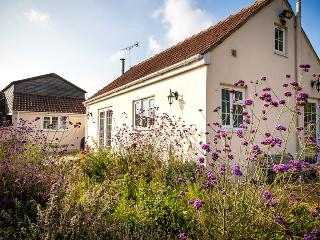 Cottage Nr Bath & Golf, pets, long lets welcome, South Wraxall