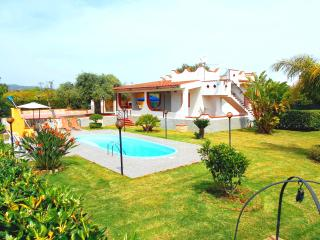 HOLIDAY HOUSE VILLA PERLA, Floridia